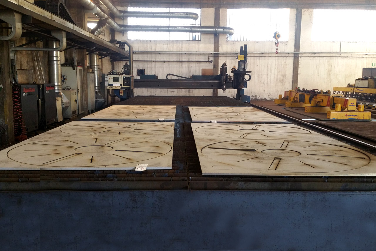 Stainless steel plates plasma cutting Italy
