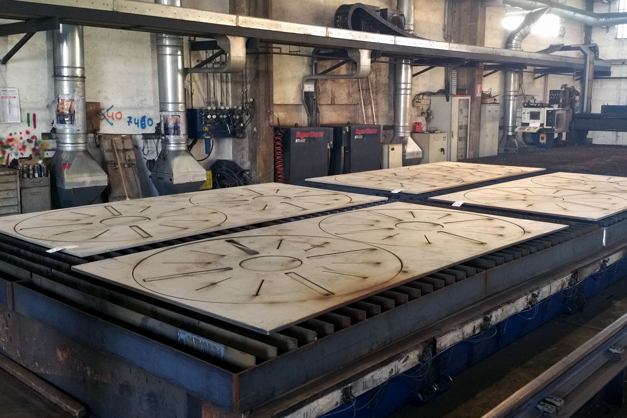 steel plates plasma cutting italy